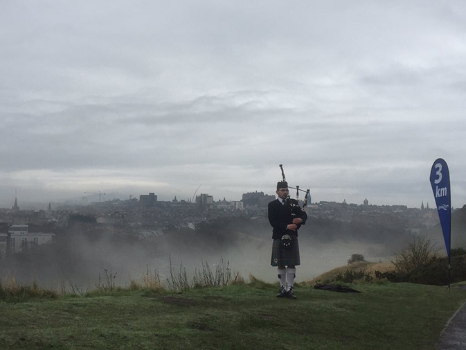 Great Edinburgh Winter Run Piper